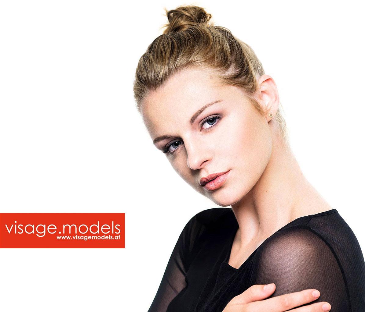 Anna-Scheuringer_©Studio-52_Stefan-Sappert-04_Visage-Models